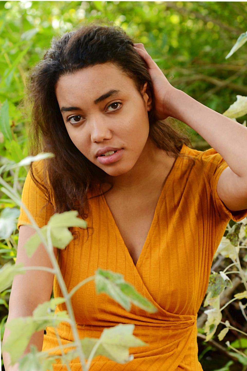 Elli Gilgal Models_Roundi.1