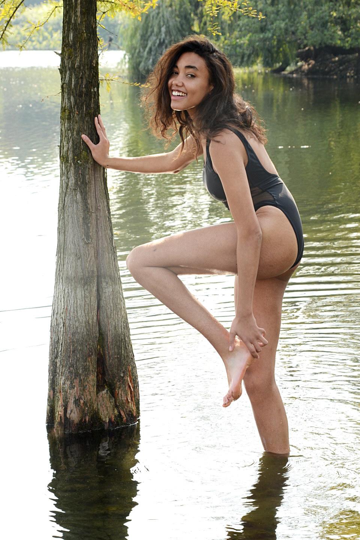 Elli Gilgal Models_Roundi.3