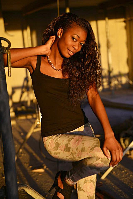 Elli Gilgal Models_Minush2