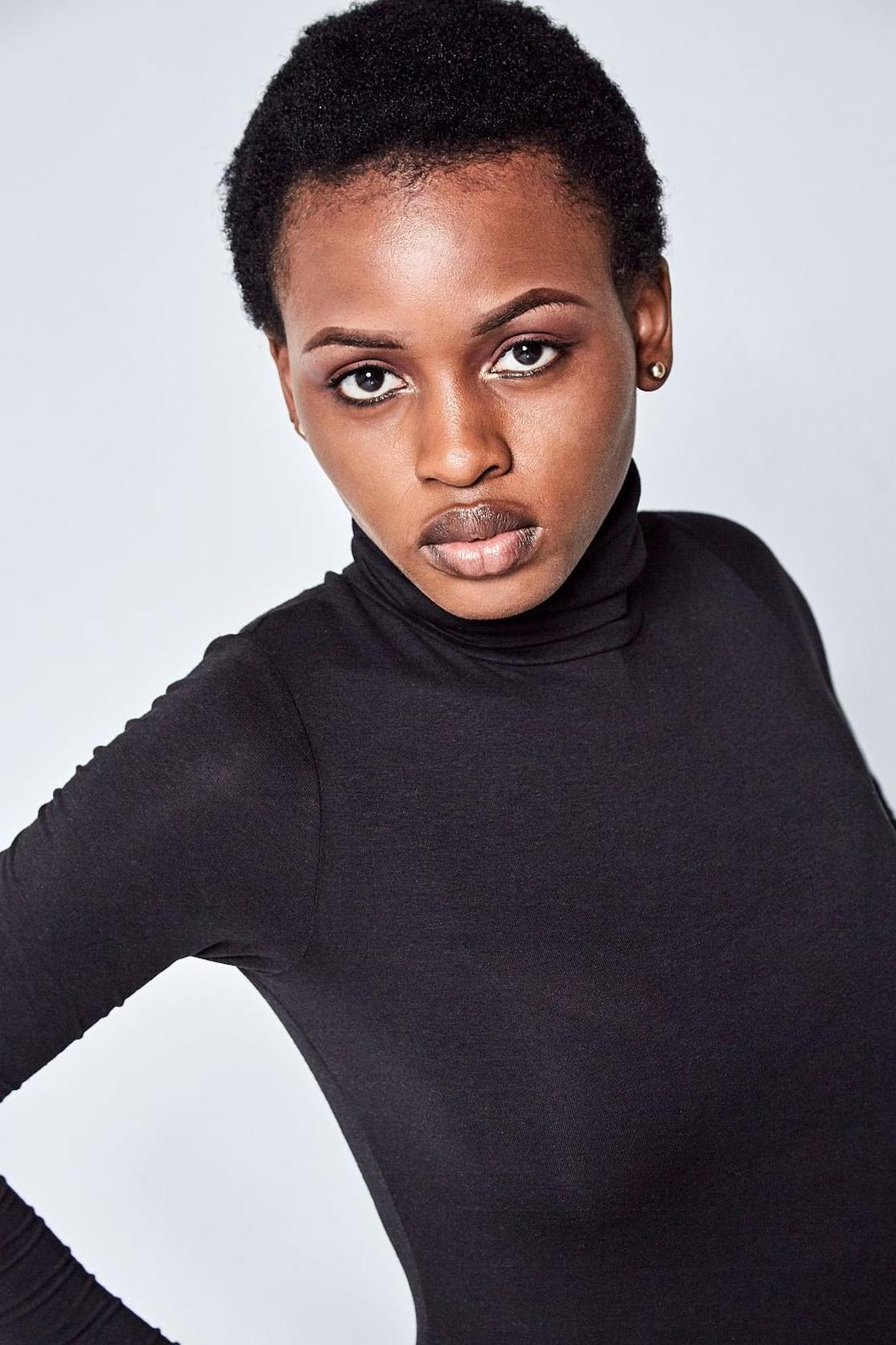 Elli Gilgal Model_Sandra